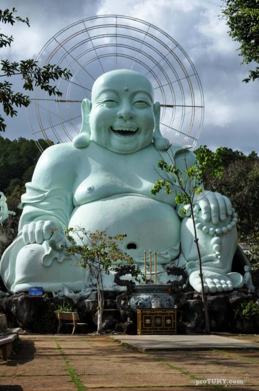 Смеющийся Будда - Пагода Лин Ан Ту (Далат - Вьетнам)