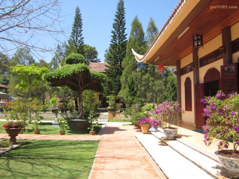 Буддистский Монастырь Чук Лам
