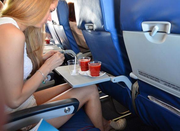 Сок томатный в самолете